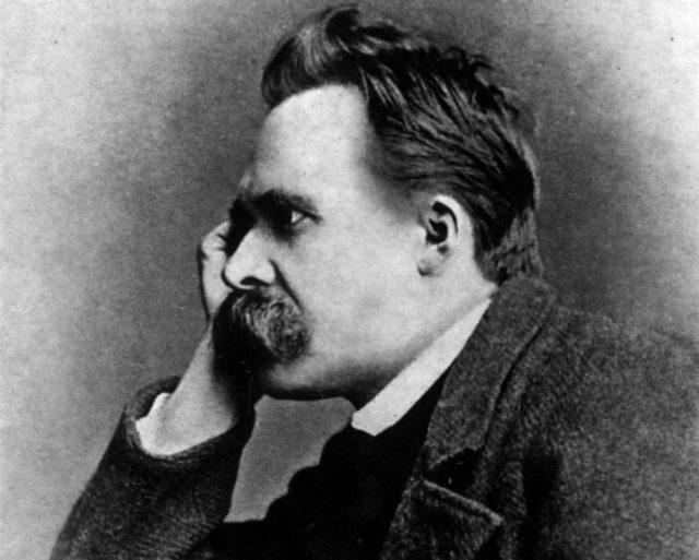 Nietzsche, l'ultimo uomo, Dio, la memoria storica e l'oblio