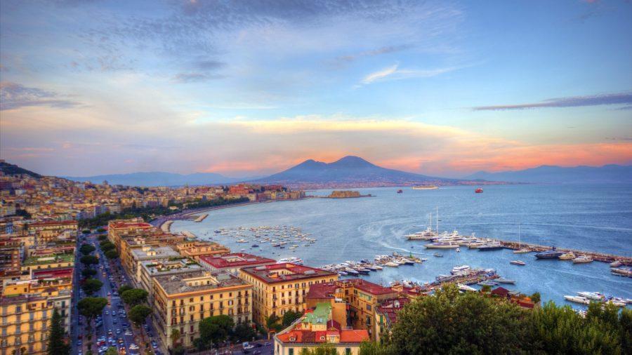 Il Golfo di Napoli e la Costiera Amalfitana visti da uno yacht