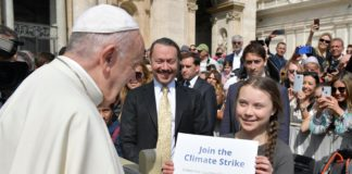Greta Thunberg a Roma con Papa Francesco (Foto ANSA)