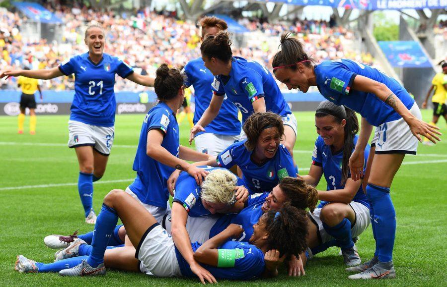 Se non vi piace il calcio femminile, non guardatelo