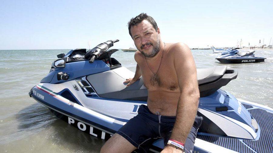 La Polizia è di Stato, non il giocattolo di Salvini