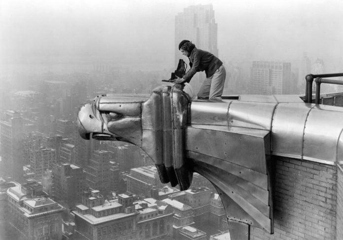 Fotografe del XX secolo: donne tenaci dietro l'obiettivo fotografico