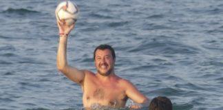 Lega di Salvini alla ricerca di ultime spiagge dopo il Papeete