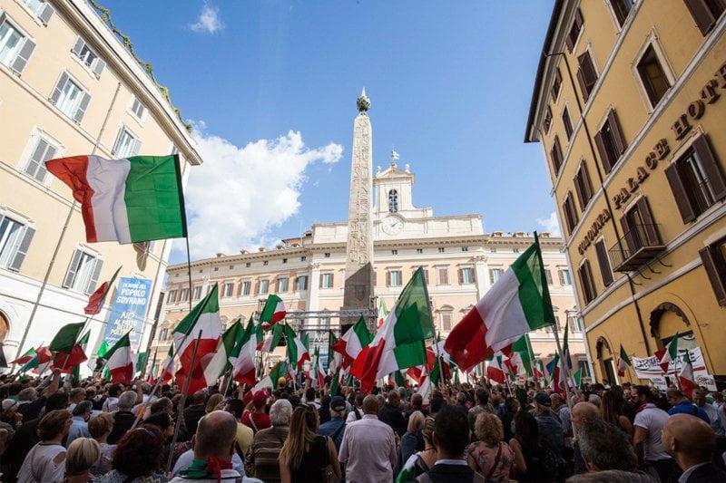 """La destra in piazza: il suo """"orgoglio italiano"""" è una vergogna nazionale"""