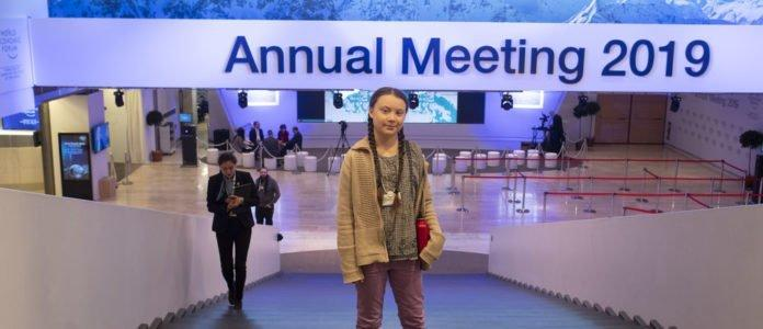 Basta con le fonti fossili: a Davos il manifesto politico di Greta Thunberg