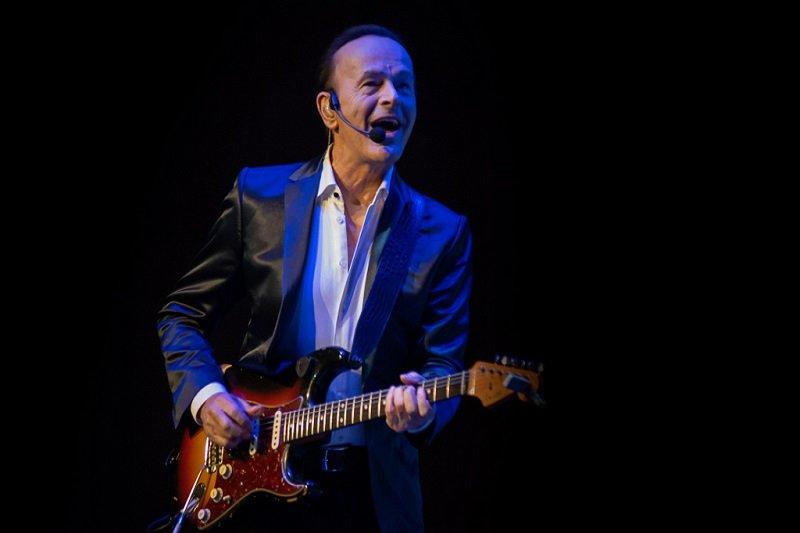 Dodi Battaglia: «Il percorso da solista? Uno stimolo in più»