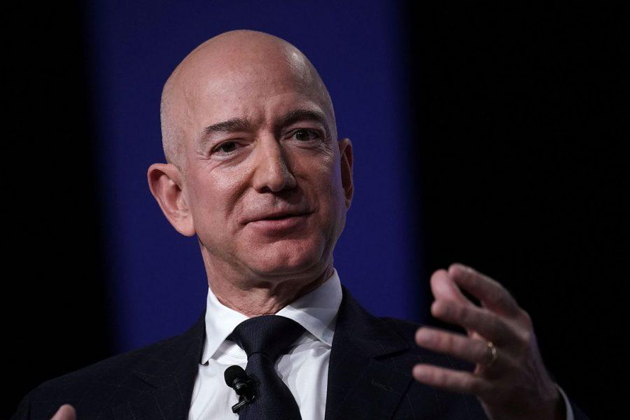 Jeff Bezos- trilionario- amazon