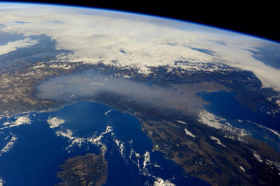 Sars: il capro espiatorio di un Nord Italia che sta morendo d' inquinamento