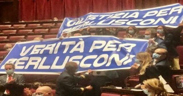 Berlusconi Mediaset senatore a vita