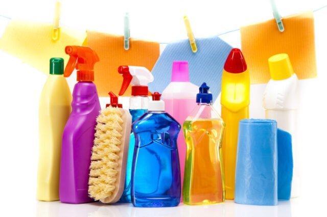 Plastica liquida ovvero come pulire casa distruggendo l'ambiente