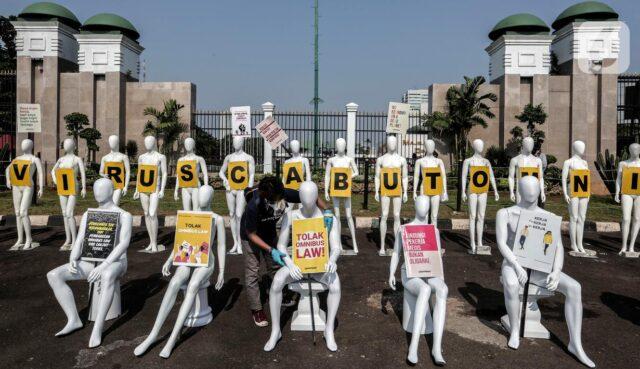 Indonesia proteste di massa