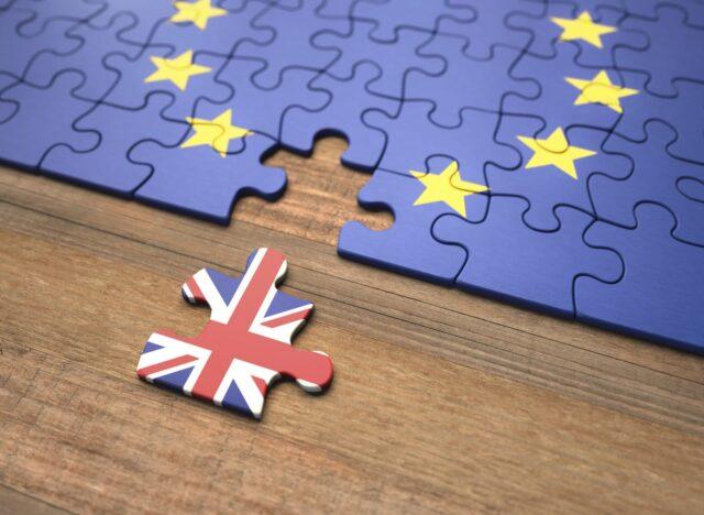 La saga Brexit prosegue, l'Unione Europea sculaccia il Regno unito