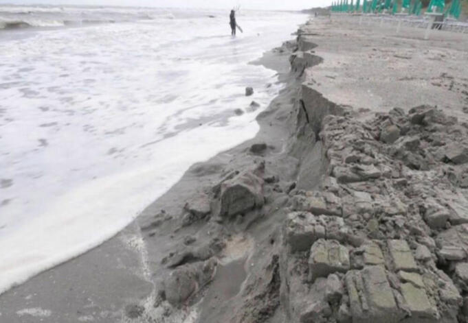 Erosione costiera in Italia: il 46% delle coste sabbiose a rischio