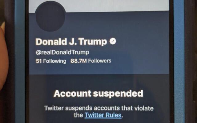 Deplatforming sugli account social di Donald Trump.
