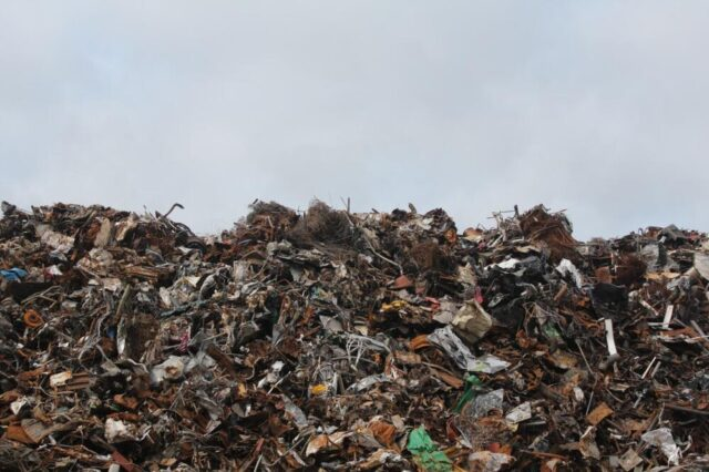 Agbogbloshie: la discarica infernale per i nostri rifiuti elettronici