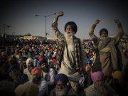 Perché i contadini indiani protestano contro il presidente Modi