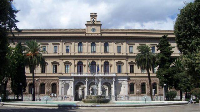 Università di Bari contro il Gender gap: agevolazioni economiche per le studentesse nei corsi STEM