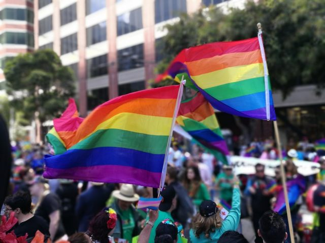 Ddl Zan: la Chiesa attacca una legge che dovrebbe sostenere